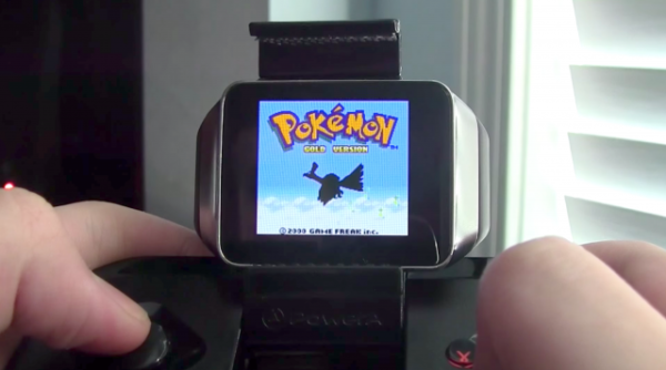 Game Boy Color-spel körs på Android Wear med handkontroll
