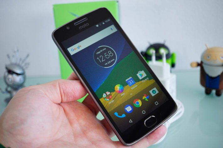 Test av Moto G5, prisvärd och funktionsrik instegsmodell